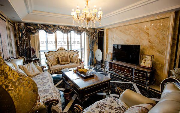 客厅  客厅  鱼缸隔断  收藏品摆放  楼梯根雕  楼梯  二楼门  阳光棚  休闲室 一种成熟从容的生活态度 标志着成功的自信 演绎人生与生活归零的距离追求 真实富贵祥和的资本 设计师结合了现代与古典的元素 以黑 白 黄色为主色调 糅合光线及细致华丽的大理石等基本元素 。 每个细节都体现了空间的华丽和优雅 空间的延伸将新古典的精髓一点点的展示在面前 。